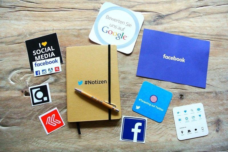 Ad retargeting social media